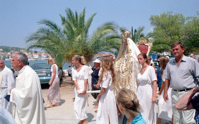 w procesija gospa 19